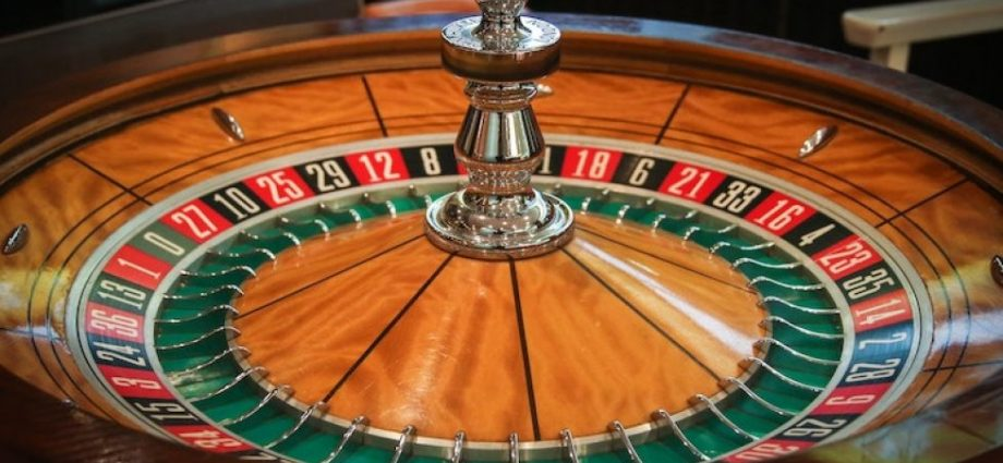 Online Casino Games Play On The Slots Of Vegas For Real Money